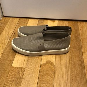 Blair 5 Slip-On Sneaker size 7